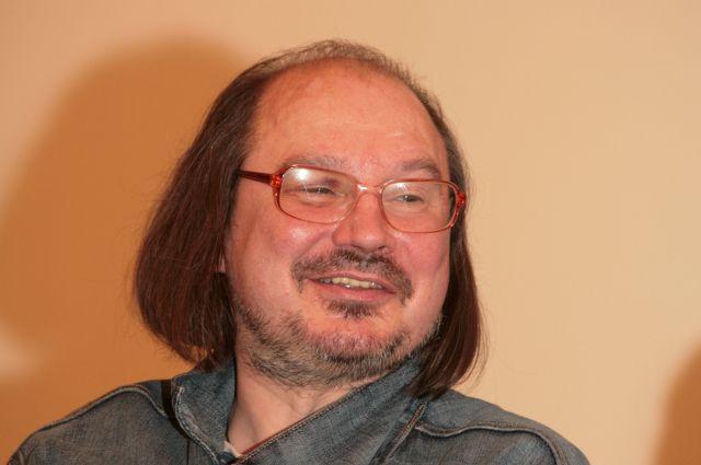 Алексей Балабанов подарил зрителям 20 картин.