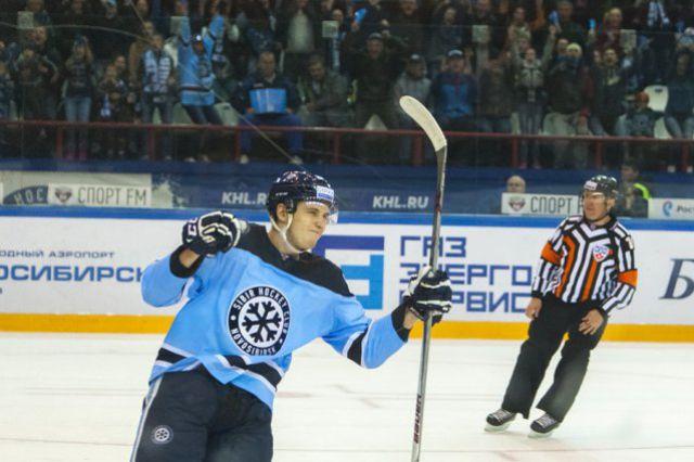 Новосибирские хоккеисты остаются с прежним тренером