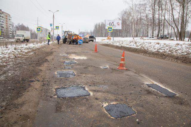 Ямочный ремонт на улицах Смоленска в этом году начали делать 2 февраля.