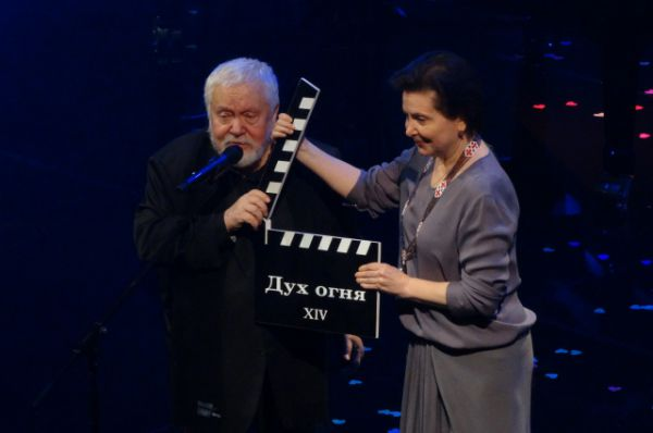 Сергей Соловьев и губернатор Югры Наталья Комарова открывают фестиваль.