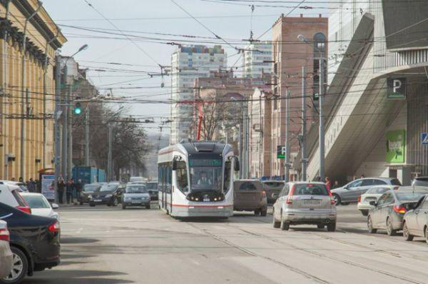 В перспективе такой транспорт будет курсировать до нового аэропорта «Южный» и в Батайск, куда проложат трамвайное полотно.