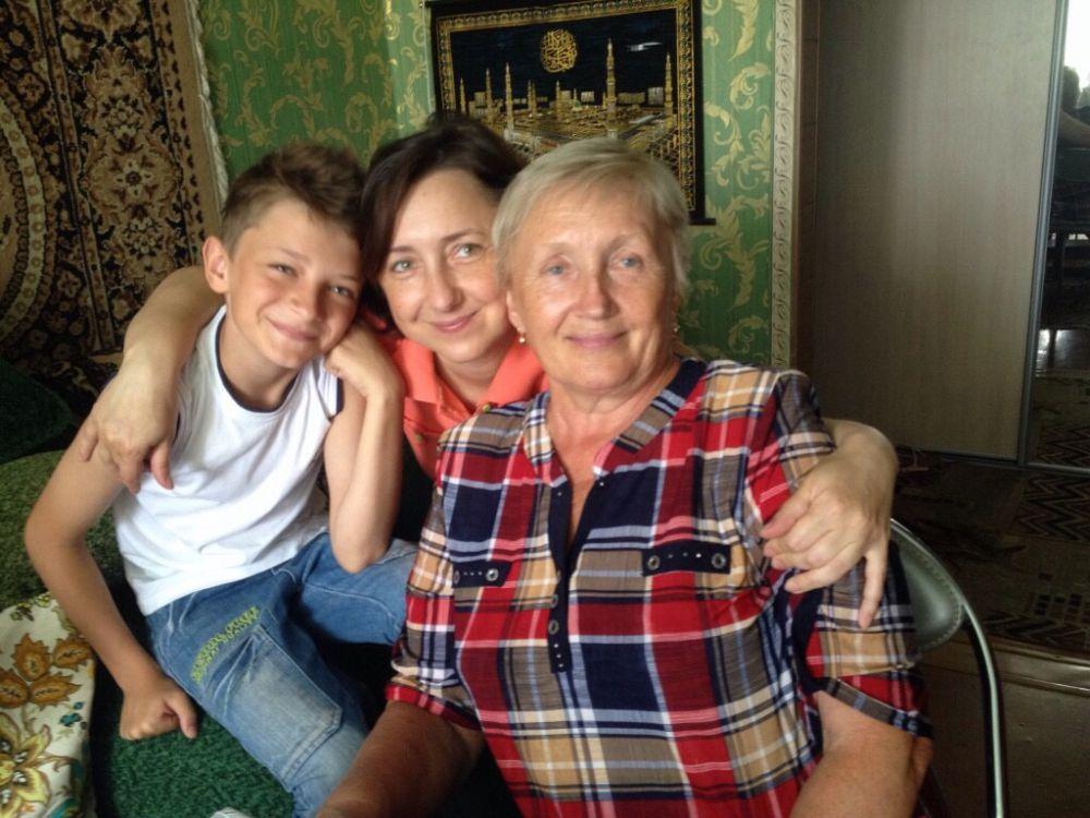 Сидоренко Вера с мамой Лидией Федоровной и сыном Андреем.