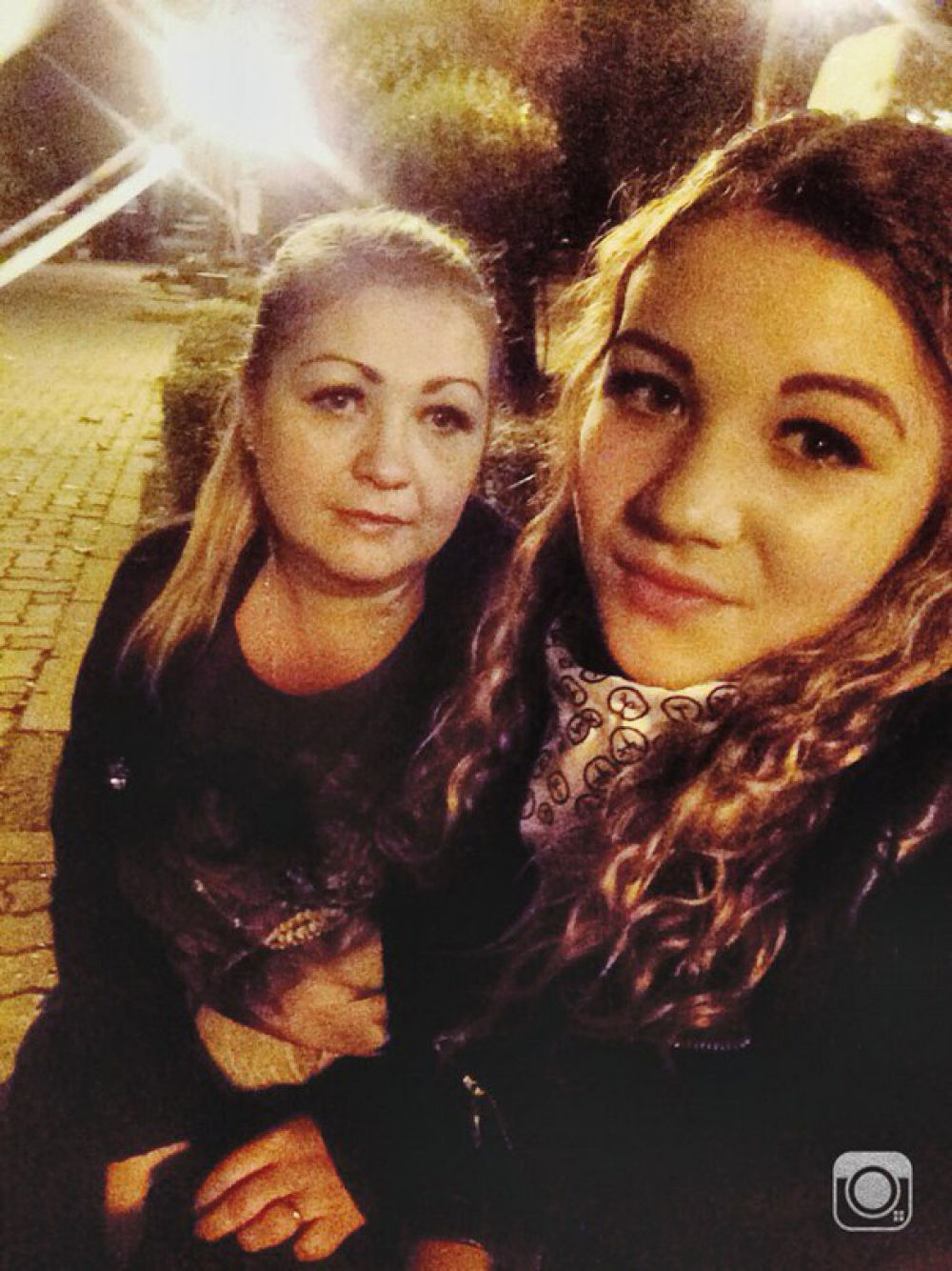 Сапунова Елена с дочерью Валентиной.