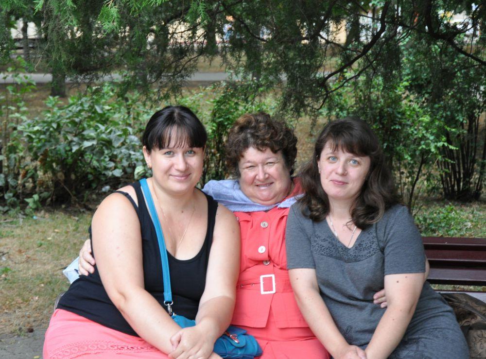 Татьяна Ермошина с дочерьми Ольгой и Дианой.