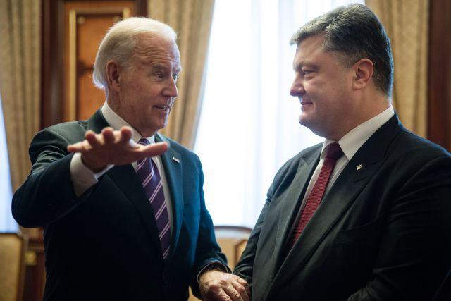 джо байден запретил порошенко увольнять яценюка