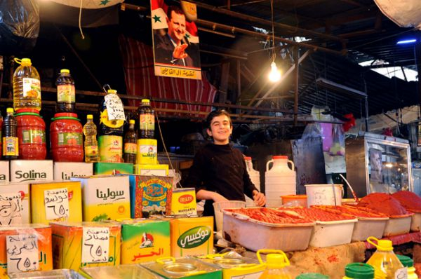Мальчик на рынке в Дамаске.