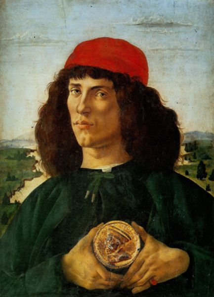 В это время Боттичелли становится известным и как портретист. Наиболее значительны «Портрет неизвестного с медалью Козимо Медичи» (1474—1475, на фото), портреты Джулиано Медичи и флорентийских дам.
