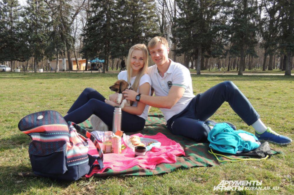 Первый пикник в этом году в Чистяковской роще.