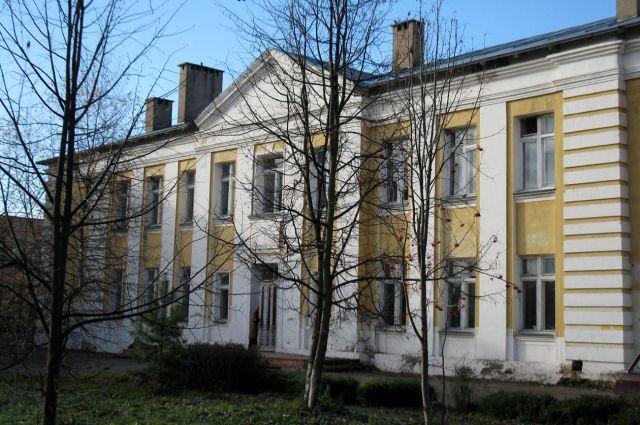 Фото школы, в которой учился Юрий Гагарин.