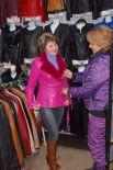 Широкий ассортимент фасонов кожаных курток и пальто позволяет подобрать модель под любой стиль.