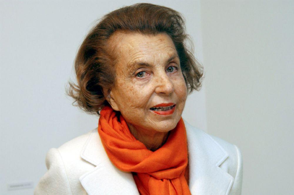 Первое место у совладелицы компании L'Oréal француженки Лилиан Беттанкур. Её состояние оценивается в $36,1 миллиардов.