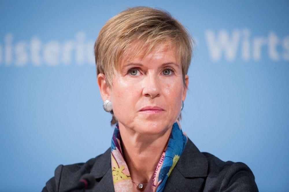 Пятую строчку списка занимает Сьюзан Клаттен, член совета директоров автоконцерна BMW, чьё состояние оценивается в $18,5 миллиардов.