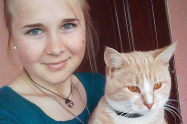 18-летней калининградке Алене Сафроновой нужна помощь в борьбе с диабетом.
