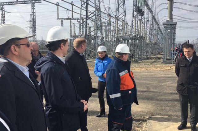 Глава Минэнерго посетил стройплощадку в Краснодарском крае, где возводят подстанцию 500 кВ «Тамань»