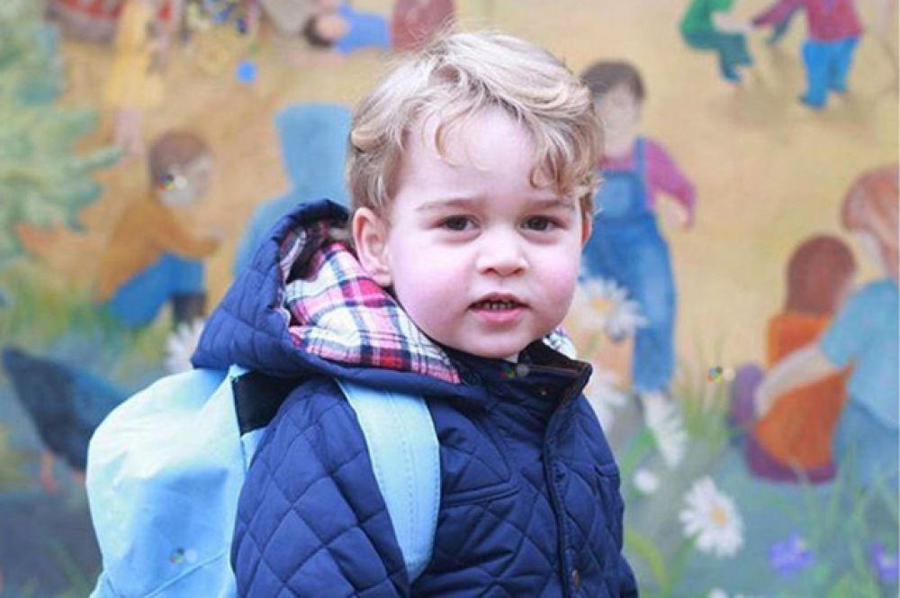 Принц Георг — третий правнук королевы Елизаветы II, первый внук принца Уэльского Чарльза и принцессы Уэльской Дианы, первенец герцога Кембриджского Уилльяма и герцогини Кембриджской Кэтрин, родился 22 июля 2013 года в Лондоне и занимает третье место в линии наследования британского престола.
