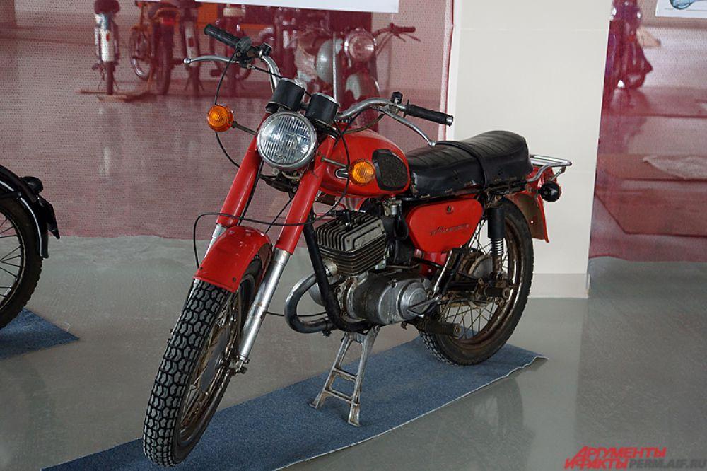 По его словам, на экспозиции находится порядка 30 моделей двухколёсных байков.