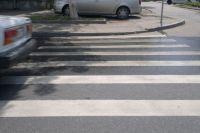 Дети переходили дорогу в положенном месте