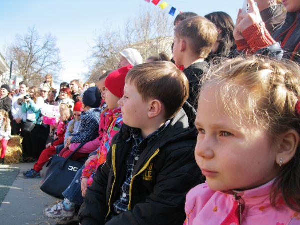 Главными зрителями, конечно же, были маленькие крымчане