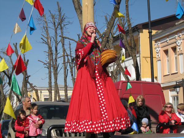 Праздничные мероприятия начались с народных гуляний