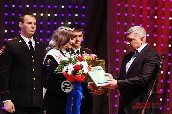 Первой вице-мисс стала Татьяна Гранкина, следователь отделения по расследованию тяжких и многоэпизодных преступлений, лейтенант юстиции.