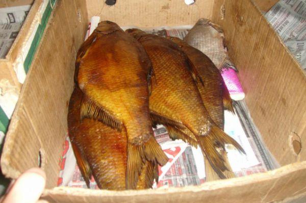 Сотрудники ветеринарной инспекции Ростовской области провели рейд по борьбе с незаконной торговлей рыбой и рыбной продукцией на Центральном рынке Ростова.