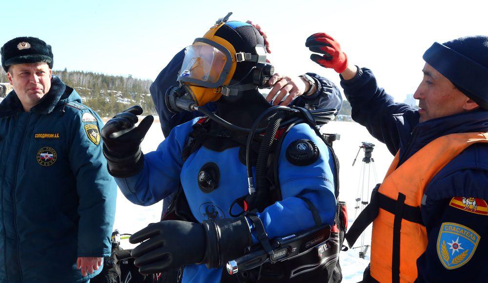 В последний раз водолазы доставали тело подростка и мужчины на озере Большой Кременкуль