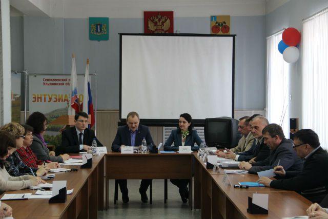 Открытие месячника: на встречу со специалистами пришли сенгилеевские представители общественности и органов местного самоуправления.
