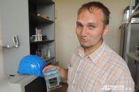 Никита Волченко в лаборатории.