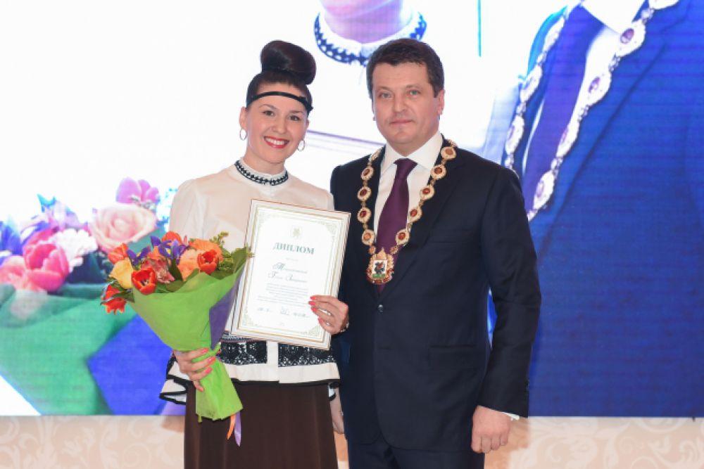 Лучший воспитатель дошкольного образовательного учреждения - Гузель Мухаметзянова из детсада №380.