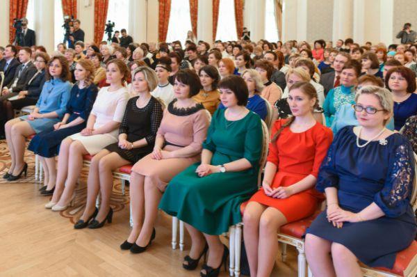 37 человек получили награды из рук мэра Казани.