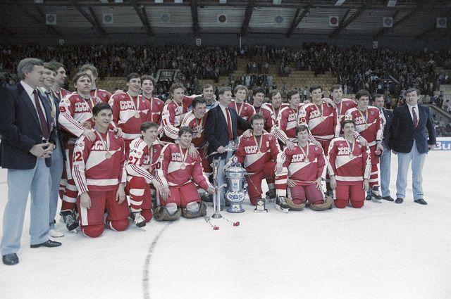 Чемпионат мира и Европы по хоккею с шайбой 1986 года. Сборная команда СССР — чемпион мира и Европы 1986 года.