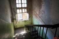 Старейшему дому уже больше 100 лет.