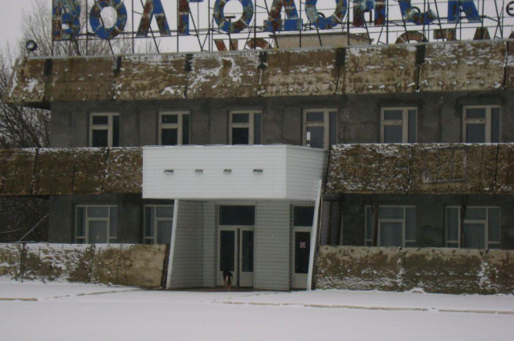 Аэропорт «Волгодонск» находится на территории Цимлянского района Ростовской области.