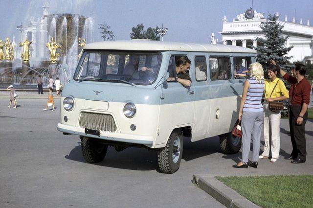 УАЗ-452.