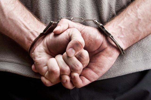Работники полиции обнаружили у преступника 100 мл экстракционного наркотического вещества