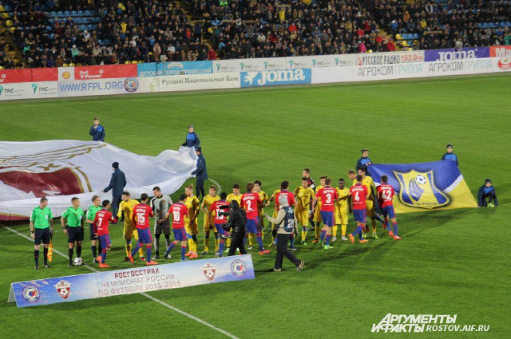 Билеты на матч «Ростов» - ЦСКА были проданы за неделю до начала игры, хотя матч показывали по центральному телевидению в прямом эфире.