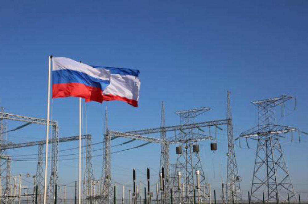 Энергомост – обобщающее название энергетических объектов, которые помогут соединить энергосистему Крыма с ЕЭС России и обеспечат переток на полуостров порядка 800 МВт.