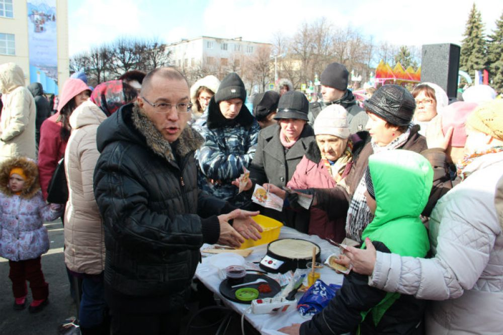 Василий Гвоздев пришёл первым из ВИПов и трудился не покладая рук.
