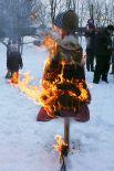 А закончились гуляния традиционным сожжением чучела.