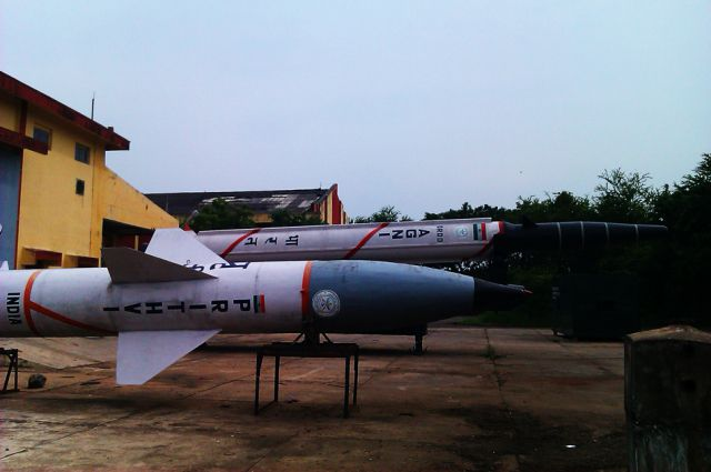 Баллистические ракеты семейств Agni и Prithvi на полигоне Чандипур в Индии