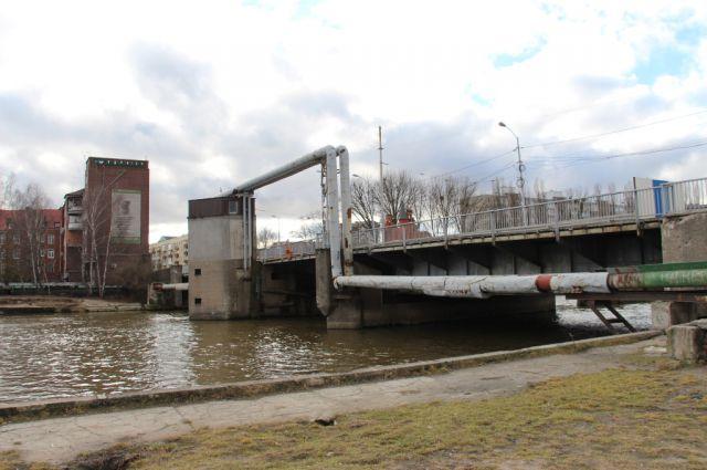 Мост Высокий в Калининграде планируют закрыть на ремонт в мае.