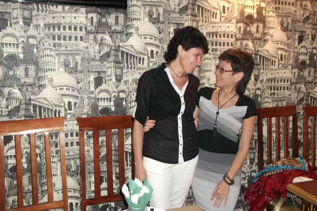 Иветта Давыдова с сестрой Владой.
