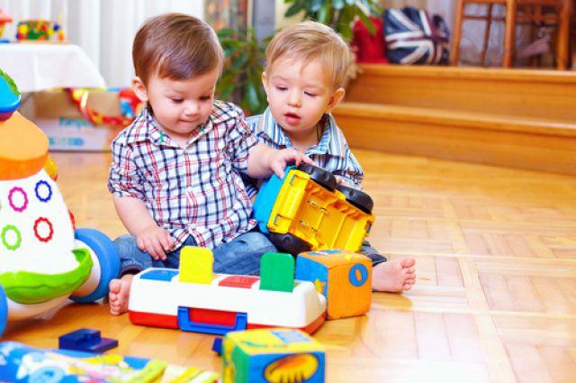 Старшего ребёнка нужно окружить лаской и заботой, также как и младшего.