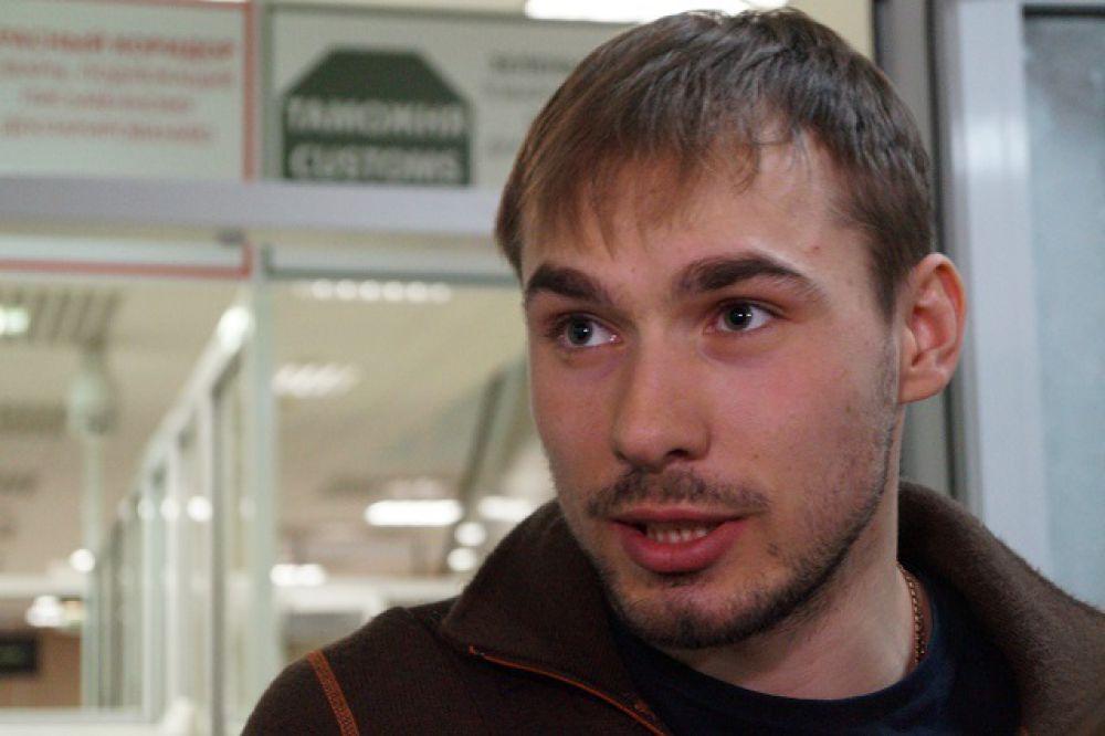 Лидер российской сборной Антон Шипулин с порога стал извиняться перед журналистами и болельщиками за провальное выступление в Норвегии.