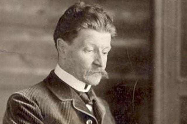 Михаил Врубель за работой. Фото 1898 года.