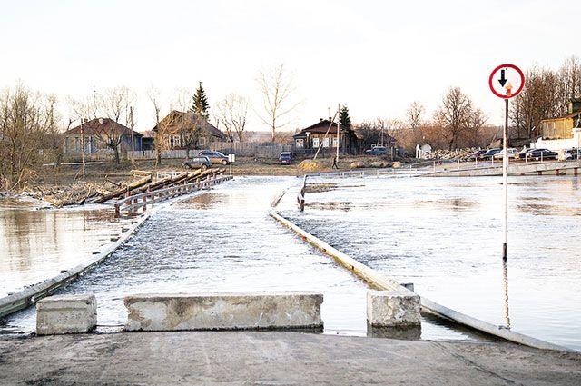 Затопленные и закрытые мосты в Ивановской области в период паводка, увы, привычное дело.
