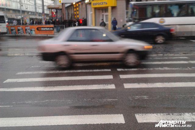 Более 400 пешеходов оштрафовали в Калининграде за нарушение ПДД.