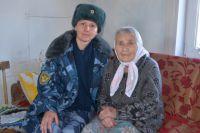 Наталья Шайхутдинова и спасённая участница ВОВ Надежда Толчеева.