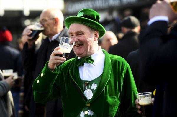 Праздник святого Патрика, как своего рода национальный праздник, праздновался ирландцами ещё в IX—X веках.