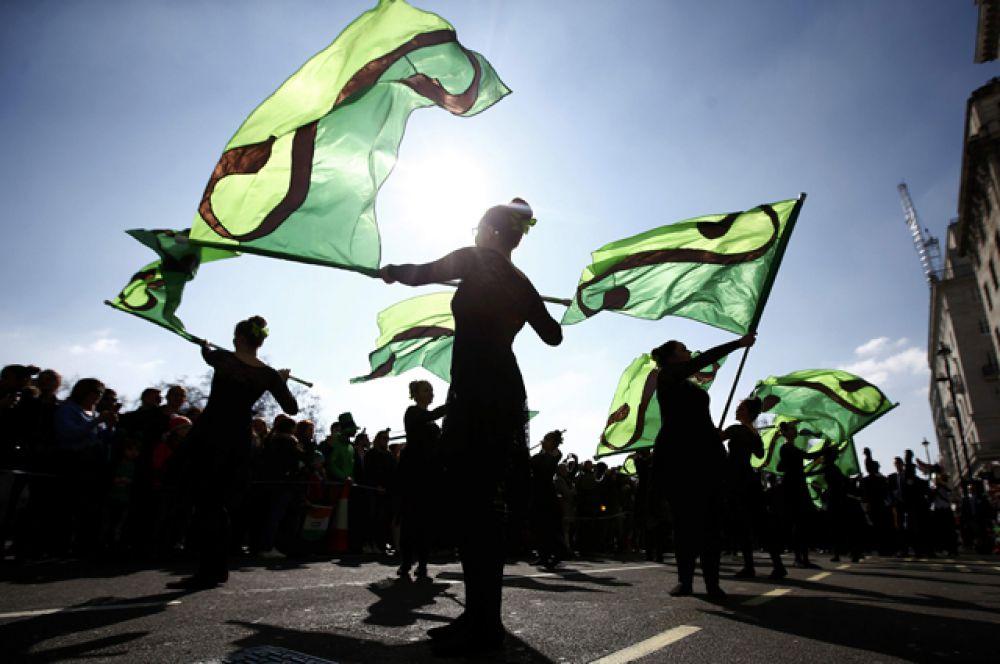 В Лондоне с 2002 года ежегодно проводится парад в честь Дня святого Патрика, который проходит в ближайший к 17-му марта уикенд, как правило, на Трафальгарской площади.